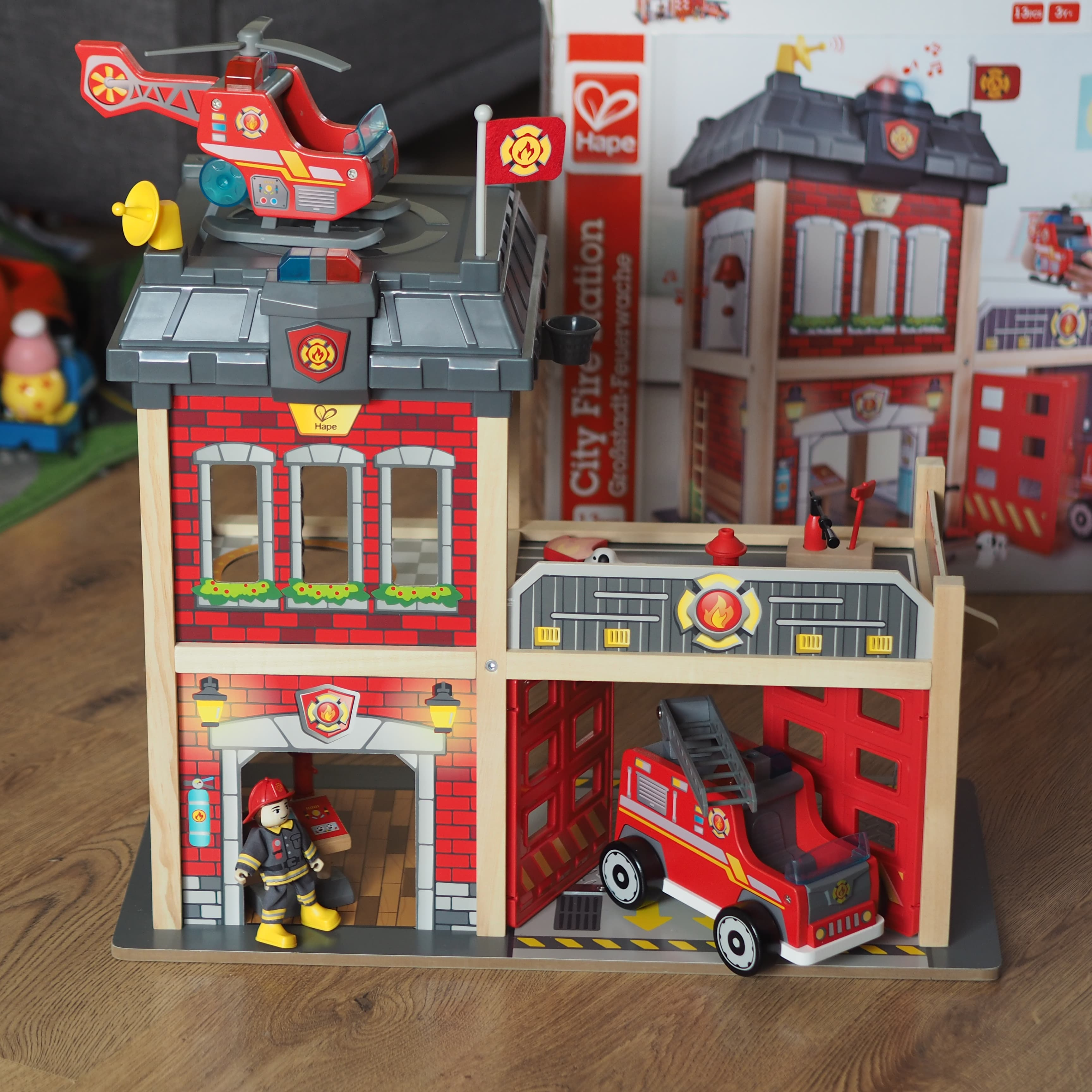 Hape Fire Station Complete - Chiino.co.uk